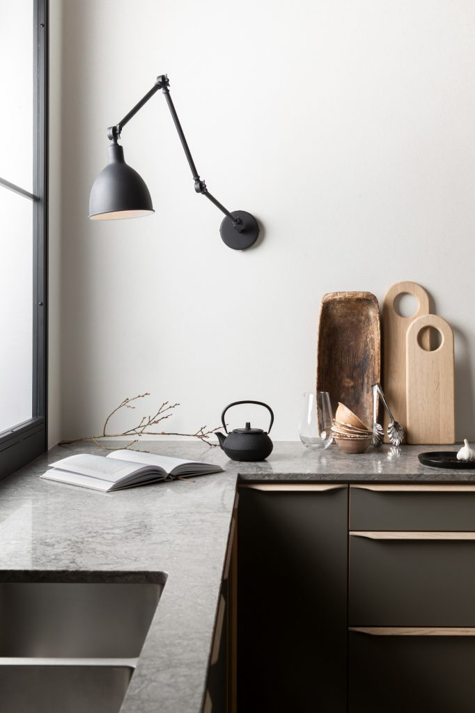 Interiörbild i ett kök i en av lägenheterna från Tosito i Jönköping